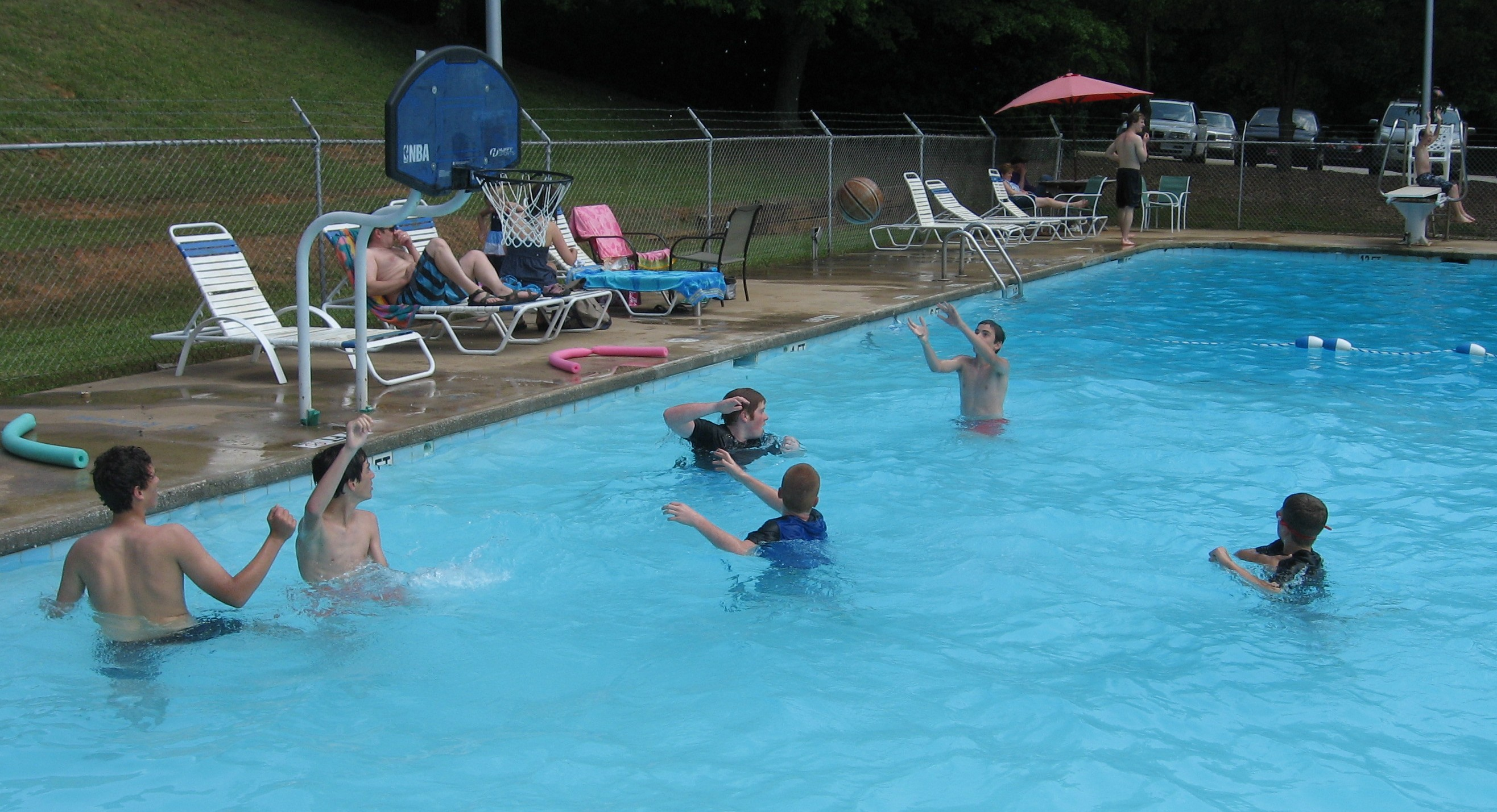 Pmp pool greenville sc swim and tennis club on greenville 39 s eastside for Swimming pool diving board tricks